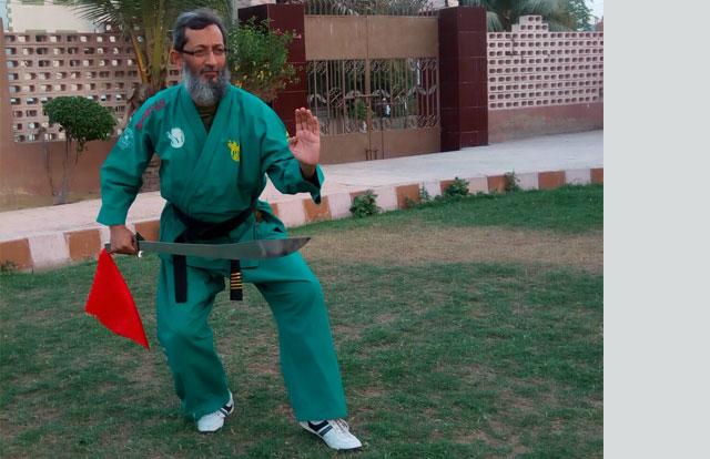 Sword Training Broadsword Straight Sword Defense Attack, Wushu Taulo